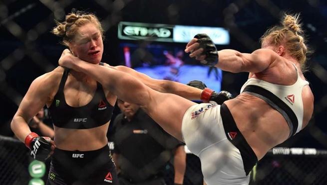Ronda_vs_Holly_m