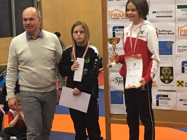 Lara Schützenhofer auf dem stolzen zweiten Platz als Vizemeisterin