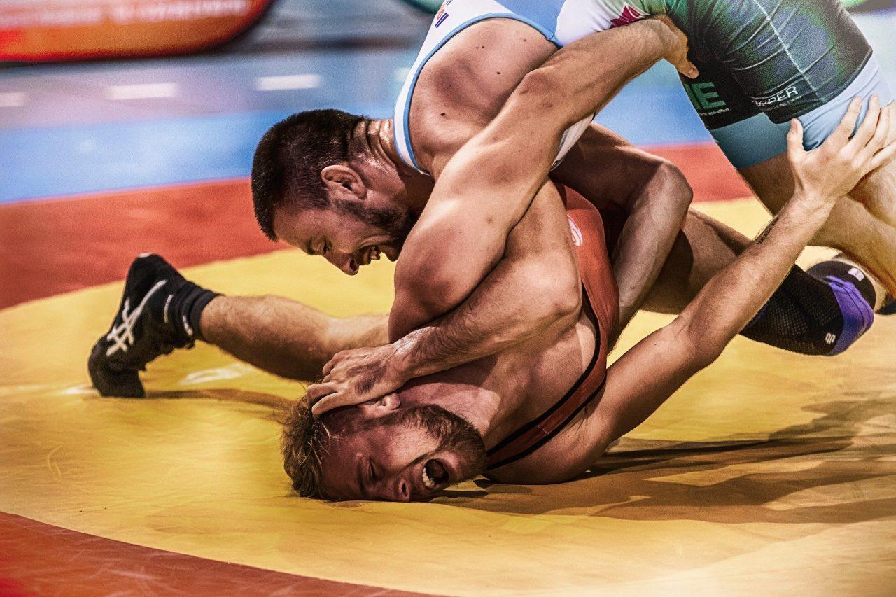 wrestle-3724565_1920-2-1280x853.jpg